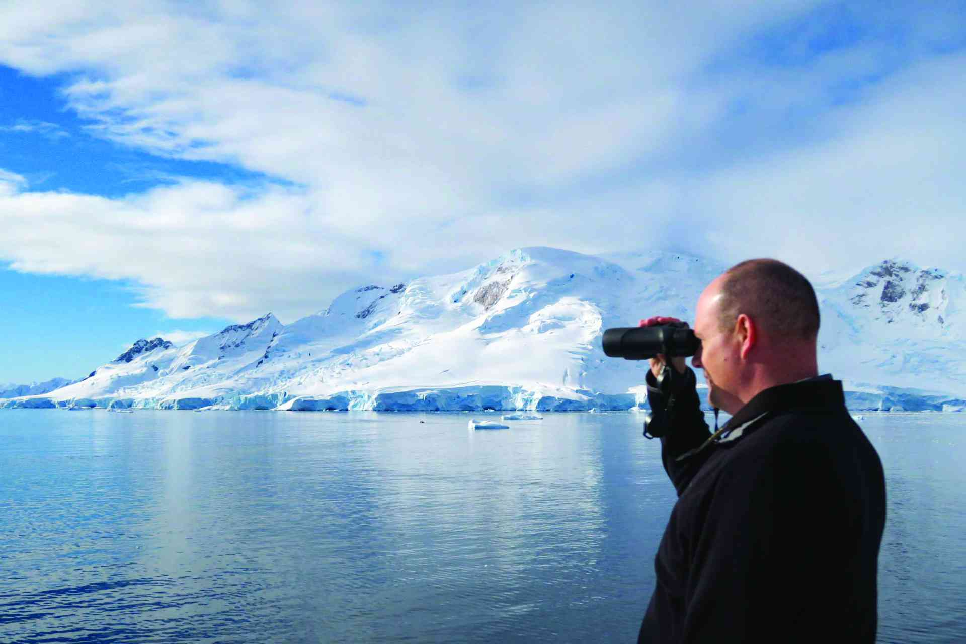Sacha Bunnik surveying the impressive Antarctic scenery by Amie Bunnik