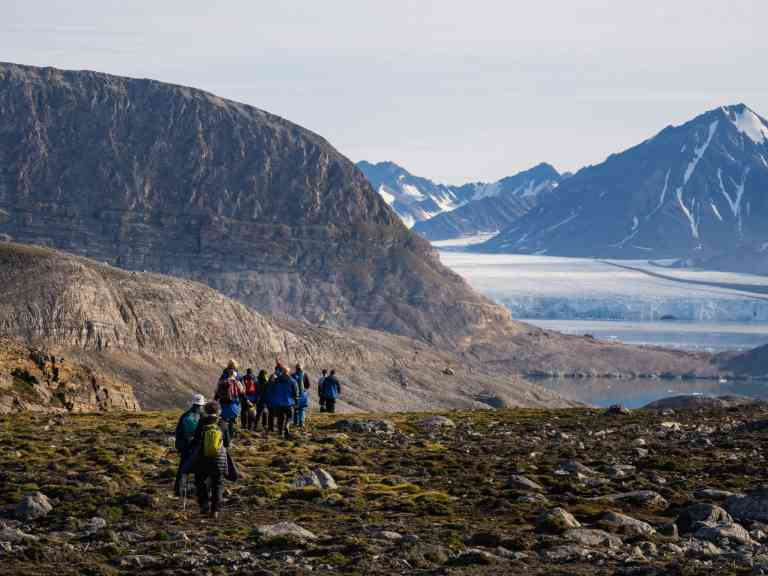 Kongsbreen & Sarsfjellet by Matt Horspool (Aurora Expeditions)