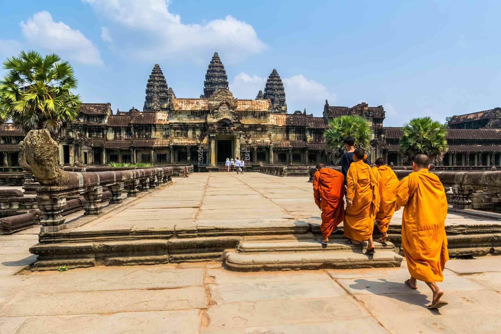 Monks, Angkor Wat by Olentur