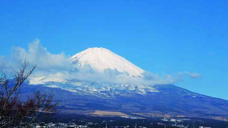 Mt Fuji by Dennis Bunnik