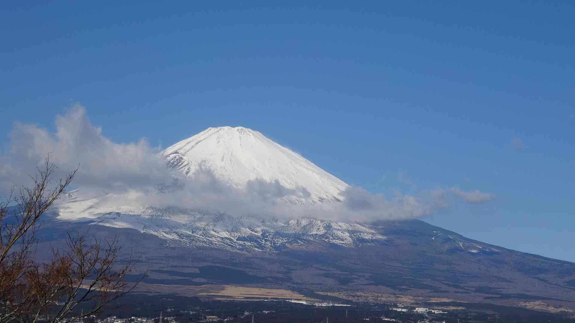 Mt Fuji, Japan by Dennis Bunnik