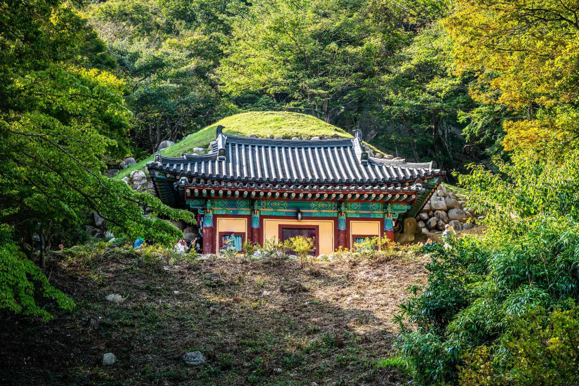 Seokguram Grotto, Gyeongju by Keitma