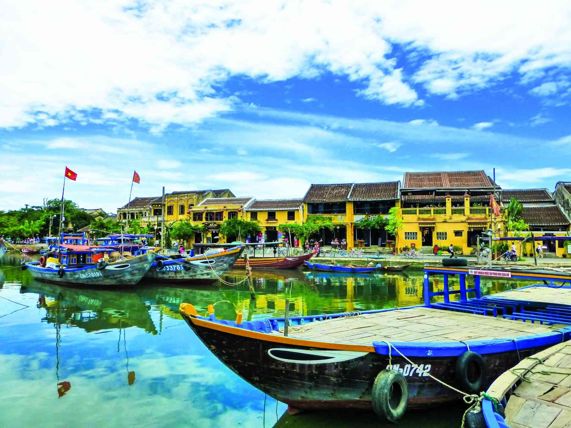 Hoi An, Vietnam by Dennis Bunnik