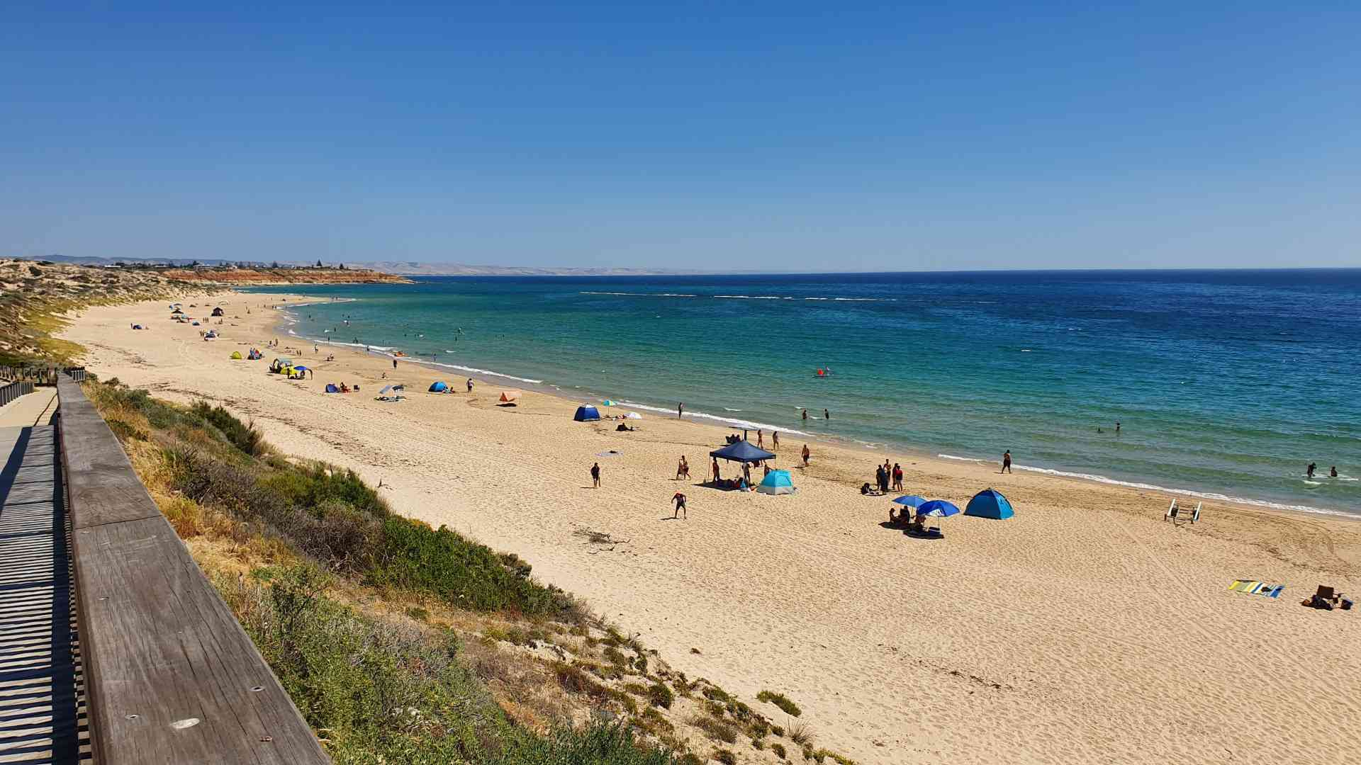Port Noarlunga Beach by Dennis Bunnik