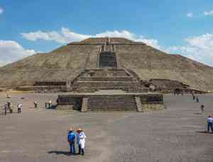 Teotihuacan, Mexico by Marion Bunnik
