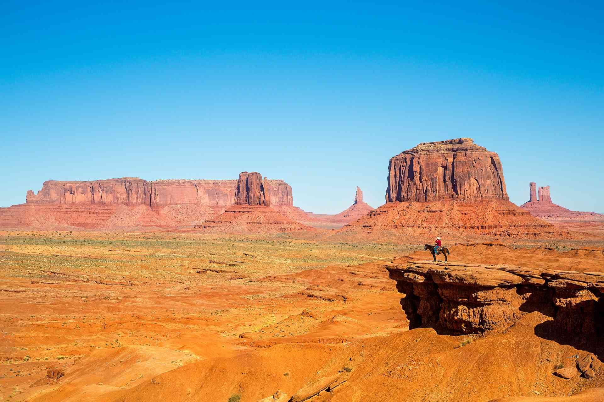Monument Valley, USA by Graham Meale