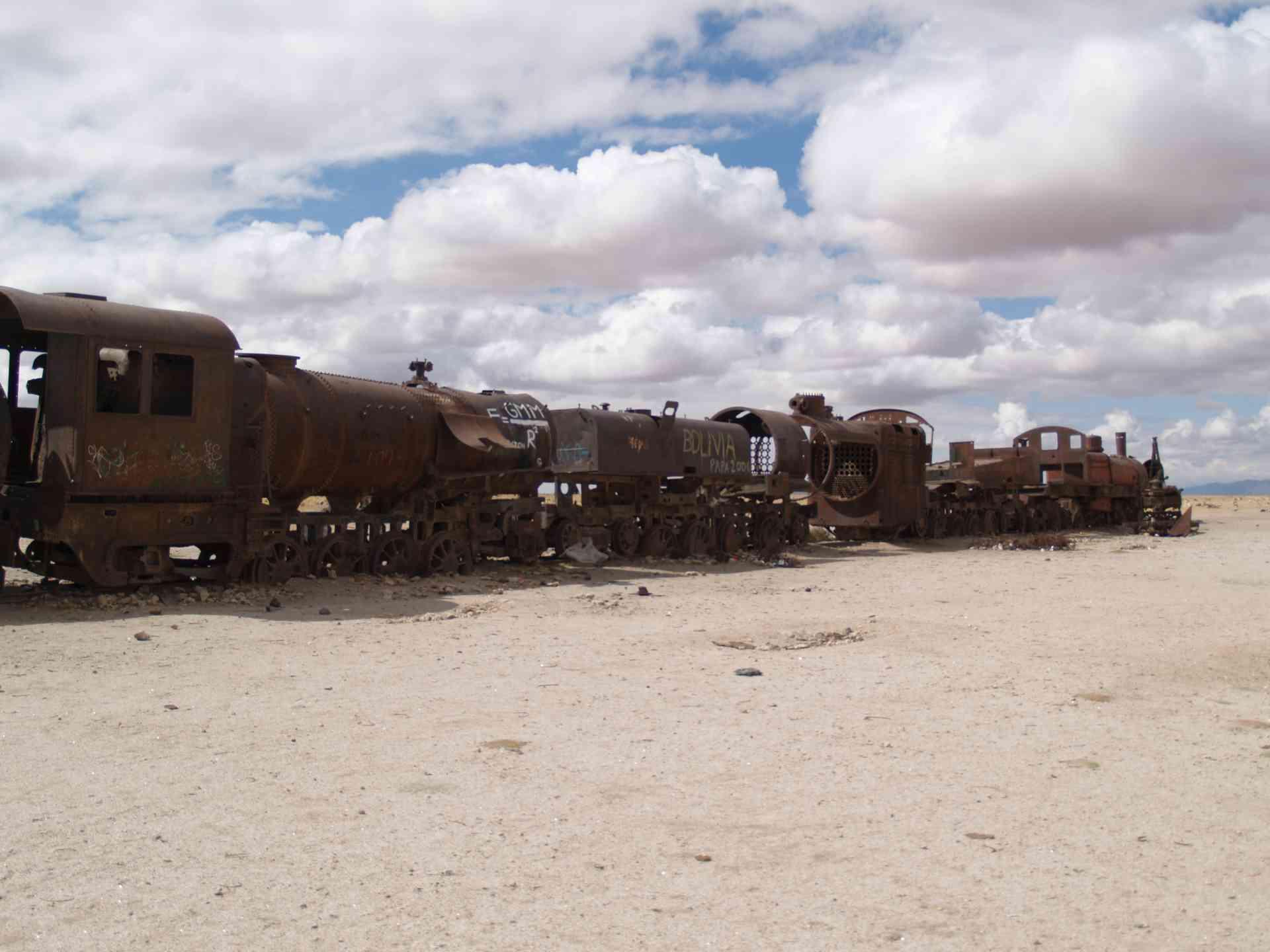 Uyuni train cemetery, Bolivia by Annelieke Huijgens