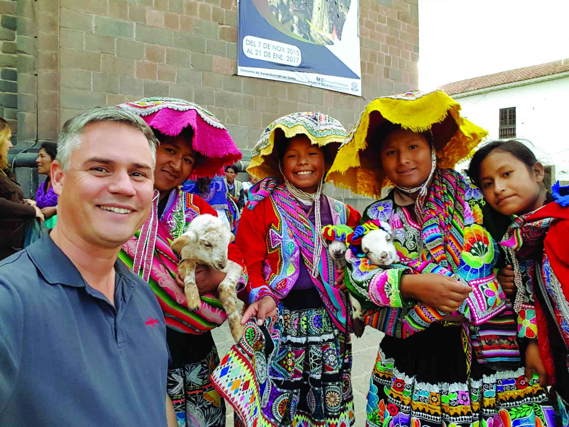Locals in Peru with Dennis Bunnik