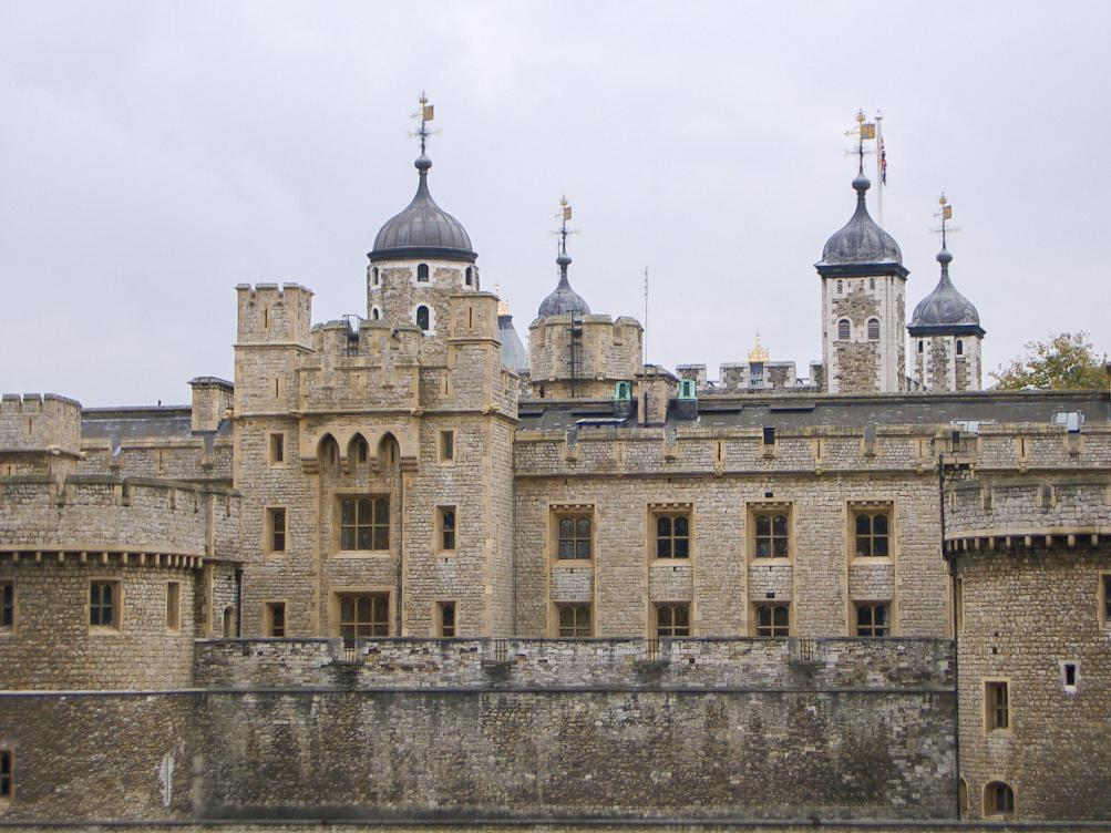 The Tower of London by Dennis Bunnik