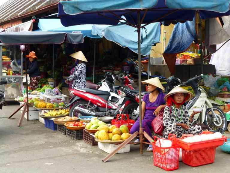 Hoi An Market by Dennis Bunnik