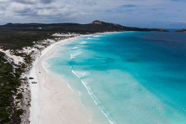 Lucky Bay, Esperance, Western Australia by Tourism Western Australia