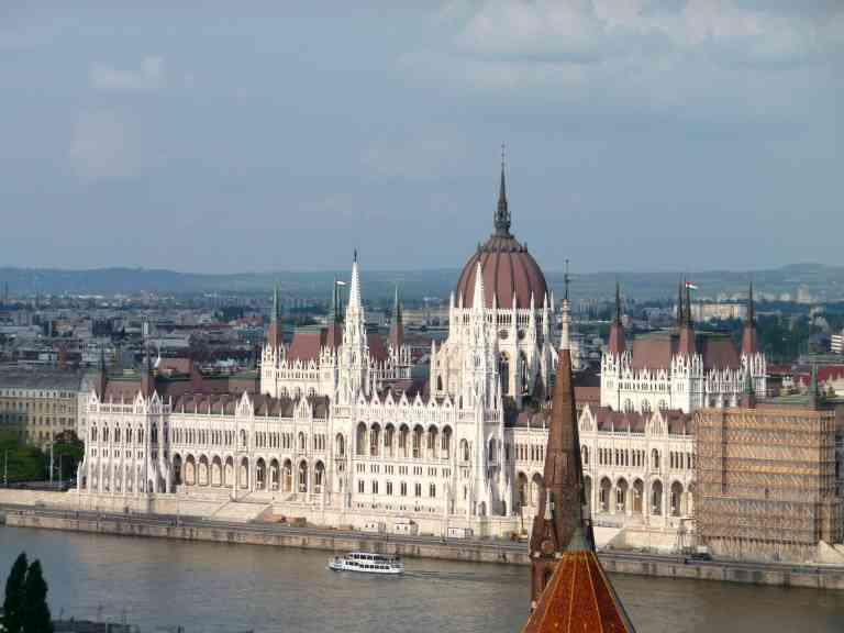 Budapest by Dennis Bunnik