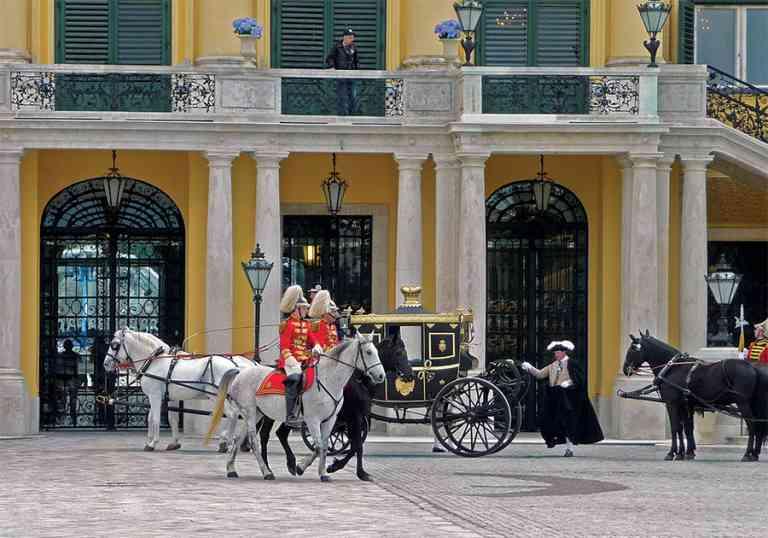 Schönbrunn Palace by Dennis Bunnik