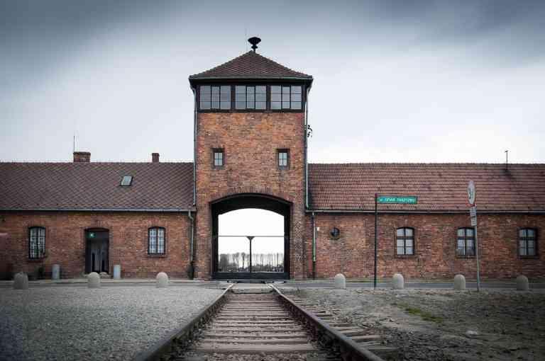 Auschwitz  (Credit: carlosftw (pixabay))