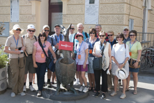What makes a Bunnik small group tour