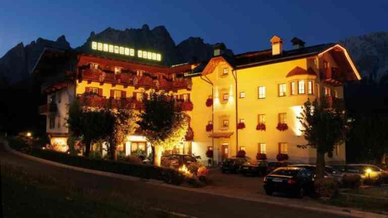 Hotel Columbia Cortina image