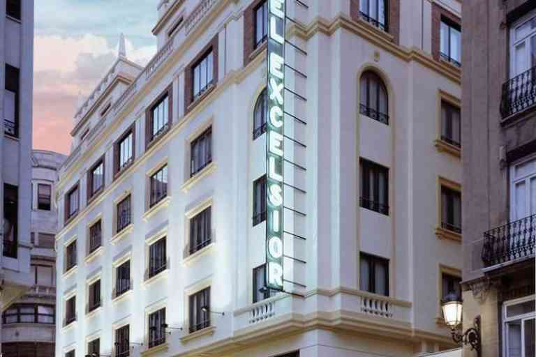 Hotel Catalonia Excelsior image