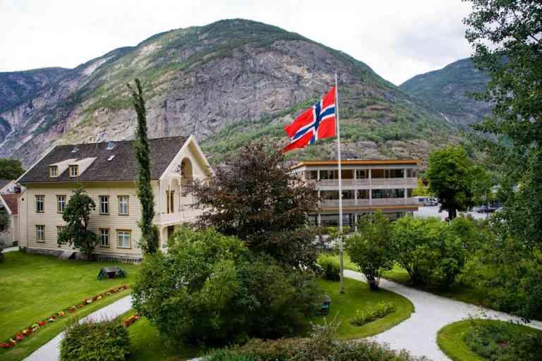 Lindstrom Hotel image