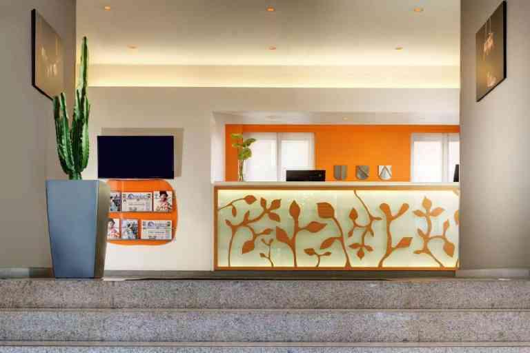 Unahotels Mediterraneo image