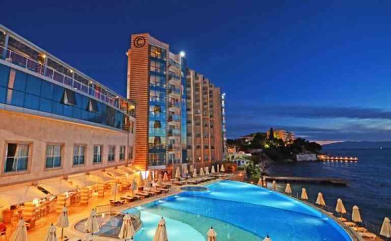Charisma De Luxe Hotel image