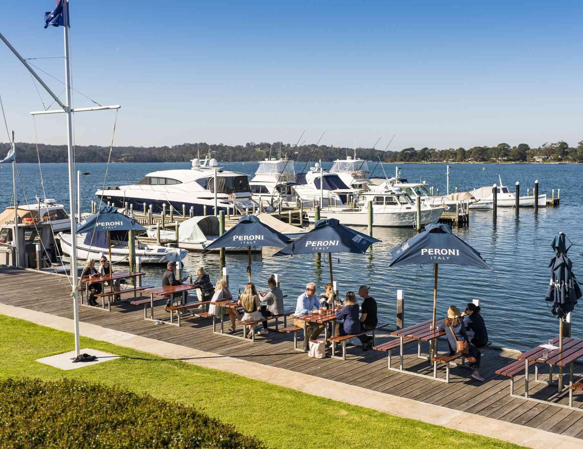 Melbourne to gorgeous Lakes Entrance